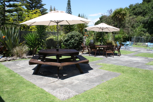 Garden Bar at Discovery Settlers Hotel Whangarei