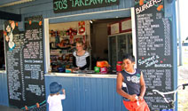 Local cafes in Raglan