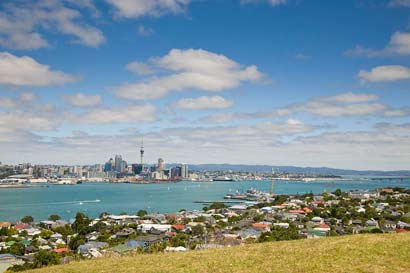 Auckland Tours in Auckland, New Zealand. Auckland Sightseeing Tours, Auckland Walking Tours, Auckland Maori Tours, Kayak Adventures, Kayak Fishing Tours, Kite Fishing Tours, Private Auckland and NZ Tours
